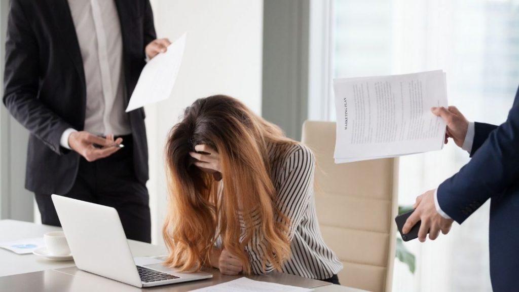 tips menghadapi rekan kerja suka cari muka 3